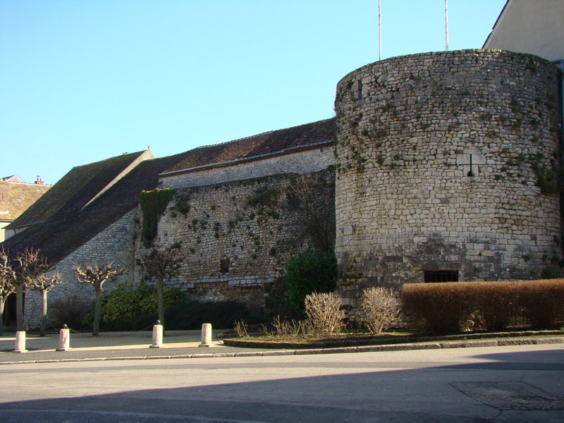 Tour Madeleine
